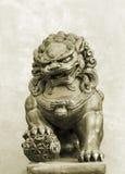 Statue en pierre d'un moine Photos libres de droits