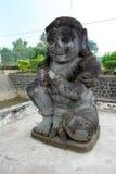 Statue en pierre dans le temple de Penataran, Java, Indonésie Images stock