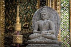 Statue en pierre de Bouddha Images libres de droits