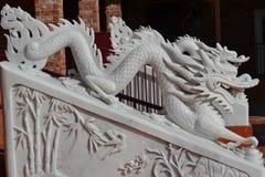 Statue en pierre de dragon Images stock