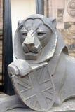 Statue en pierre de lion Images stock