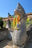 Statue en pierre protégeant un temple en Thaïlande Images stock