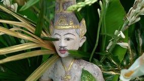 Statue et décoration de Bouddha banque de vidéos