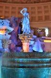 Statue et fontaine vénitiennes Photographie stock