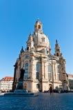 Statue et Frauenkirche de Martin Luther Photos stock