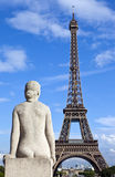 Statue facing the Eiffel Tower in Paris Royalty Free Stock Photos