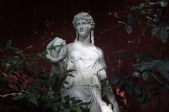 Statue femelle faite de marbre image libre de droits