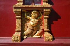 Statue géante dans le temple Image stock