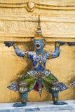 Statue géante thaïlandaise de prakeaw de wat de la Thaïlande Images stock