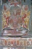 Statue im alten hinduistischen Felsen-Tempel Lizenzfreies Stockbild
