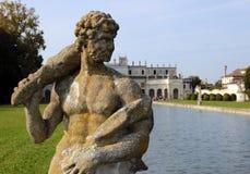 Statue im enormen Park des Landhauses Pisani, Italien Stockfotografie