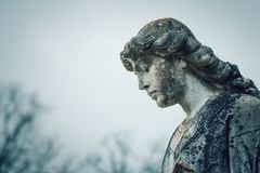 Statue im Friedhof Lizenzfreies Stockfoto