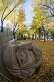 Statue im Garten Lizenzfreie Stockfotos