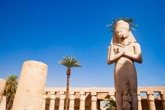 Statue im Tempel von Karnak in Luxor Ägypten Stockfotos