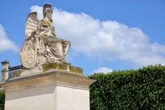 Statue im Tuileries lizenzfreie stockfotos