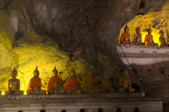 Statue image of buddha in the cave Royalty Free Stock Photos