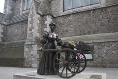 Statue of Irish folk legend Molly Malone on Grafton Street Royalty Free Stock Photography