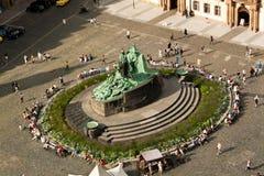 Statue Jan.-Hus in Prag Stockbilder