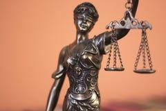 Statue juridique Themis de cabinet juridique Photos libres de droits