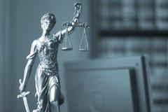 Statue juridique Themis de cabinet juridique Image libre de droits