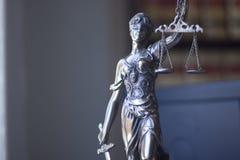 Statue juridique Themis de cabinet juridique Photos stock