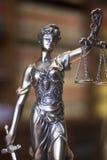 Statue juridique Themis de cabinet juridique Photographie stock libre de droits