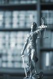 Statue juridique Themis de cabinets juridiques Image libre de droits