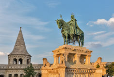 Statue Königs Saint Stephen I in Buda Castle Budapest, Ungarn Lizenzfreie Stockbilder