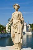 Statue am Knall-Schmerz-Palast Stockfotos