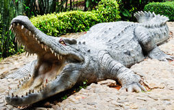 Statue large crocodile Stock Photography