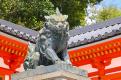 Statue of Lion Dog at the main gate of Yasaka Shrine in Kyoto, J Stock Photography