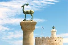 Statue médiévale des cerfs communs en Rhodes Photographie stock libre de droits