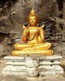 Statue Metteya Buddha Stockfotos