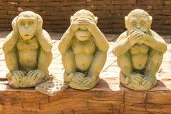 Statue mit 3 Affen im thailändischen Tempel Lizenzfreie Stockfotografie