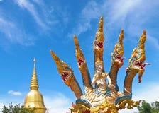 Statue mit fünf Köpfe Naga Stockbild