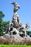 Statue mit fünf Ziegen Stockfoto