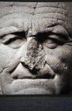 Statue mit gebrochener Wekzeugspritze Stockfotos