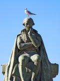 Statue mit Vogel Lizenzfreies Stockfoto