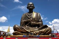 Statue mit Wolkenhimmel Lizenzfreies Stockbild