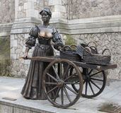 Statue of the mythical Molly Malone. Now sited in suffolk Street, dublin, a statue dedicated to the mythical character of Molly Malone, which gave rise to the Stock Photo