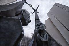 Statue nel quadrato di Alpujarra a Medellin Immagini Stock Libere da Diritti