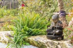 Statue nere del bambino nel parco di Wuxi Nianhuawan Immagini Stock Libere da Diritti