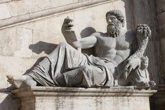 Statue Nilo lizenzfreie stockbilder