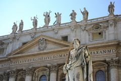 Free Statue Of Apostle Paul In Front Of The St Peter`s Basilica, Vatican City Rome, Italy. Stock Images - 132865314
