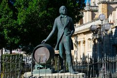 Free Statue Of Manuel Maria Gonzalez Angel Estatua De Tio Pepe Stock Photo - 111509270