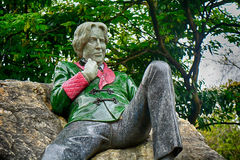 Free Statue Of Oscar Wilde At Merrion Square, Dublin, Ireland Royalty Free Stock Photo - 96395715