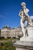 Statue an Palais De Luxemburg Stockbild