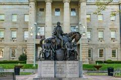 Statue présidentielle chez Carolina Capitol Building du nord photographie stock libre de droits