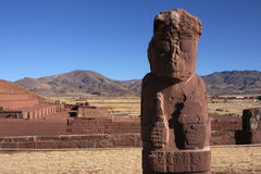 Statue and pyramid in Tiwanaku Stock Photography