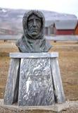 Statue of Roald Amundsen in Ny Alesund Royalty Free Stock Photos